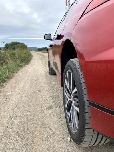 test-elektromobilu-2019-jaguar-i-pace- (22)