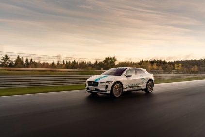elektromobil-jaguar_i-pace_race_etaxi_nurburing-06