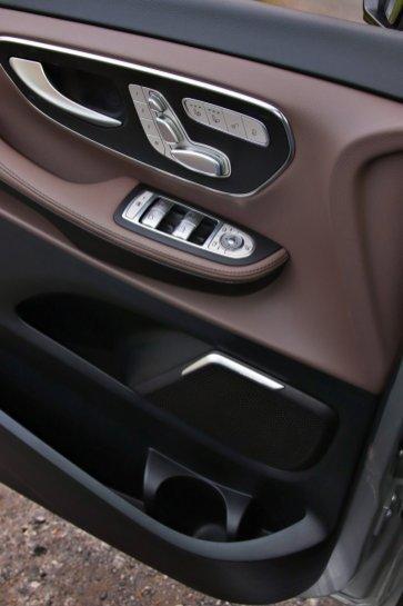 test-2019-mercedes-benz-v-300d-4matic-facelift- (20)