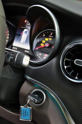 test-2019-mercedes-benz-v-300d-4matic-facelift- (30)