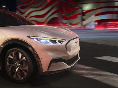 2020-Ford-Mustang-Mach-e-elektromobil- (13)