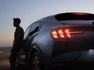 2020-Ford-Mustang-Mach-e-elektromobil- (20)