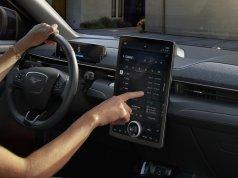 2020-Ford-Mustang-Mach-e-elektromobil- (25)