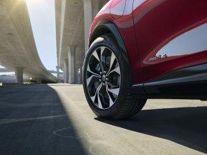 2020-Ford-Mustang-Mach-e-elektromobil- (7)