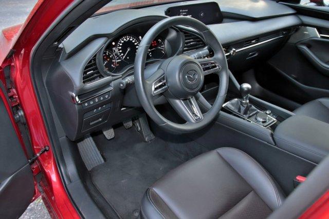 Test-2019-Mazda3-Skyactiv-G122- (21)