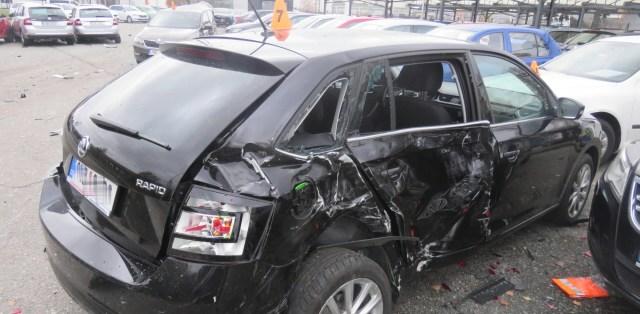nehoda-kamion-prostejov-27-aut-poskozeno-01