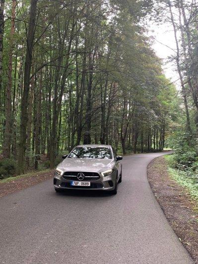 test-2019-mercedes-benz-a-200-sedan- (1)