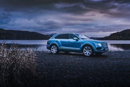 bentley-bentayga-plug-in-hybrid- (1)