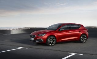 SEAT-launches-the-all-new-SEAT-Leon_02_small
