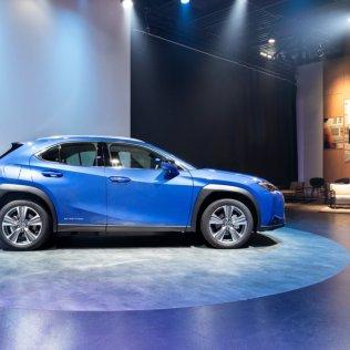 elektromobil-lexus-ux300e- (3)