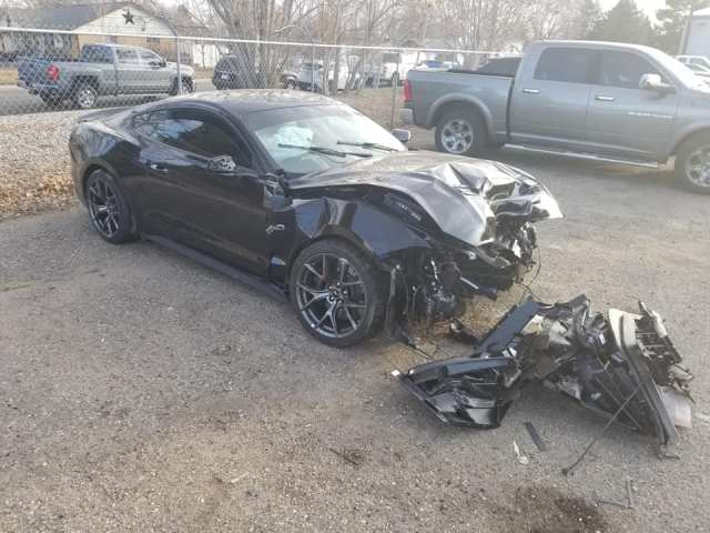 Ford-Mustang-nehoda-loveland-ford-nehoda