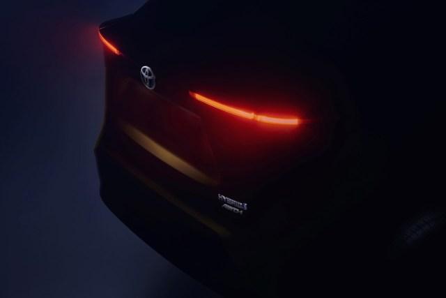 Toyota_B-SUV_teaser_image