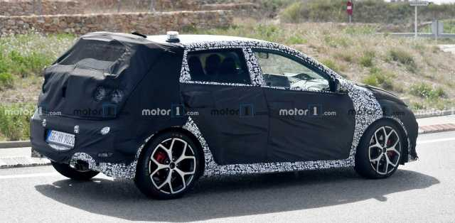 2021-hyundai-i20-n-spy-photo-4