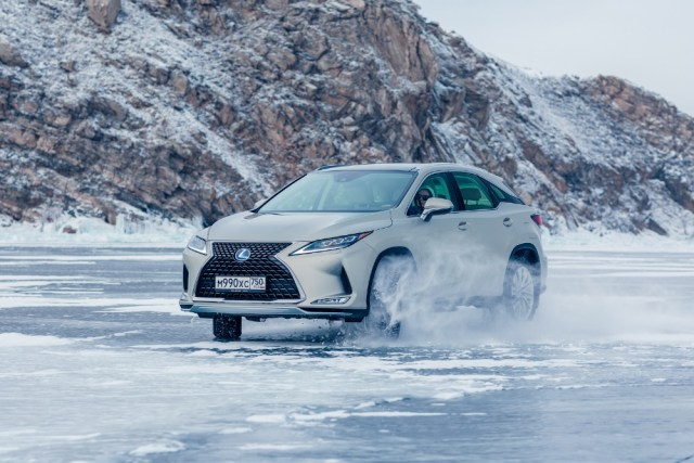 Lexus-RX-testovani-na-Bajkalu-2