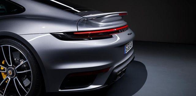 Porsche_911_Turbo_S-992-aerodynamika-zadni-kridlo- (4)