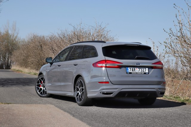 test-2020-ford-mondeo-kombi-st-line-20-ecotec-140-kw-awd-8at- (5)