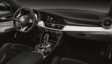 2020-Alfa-Romeo-Stelvio-Quadrifoglio-a-Alfa-Romeo-Giulia-Quadrifoglio-facelift- (6)