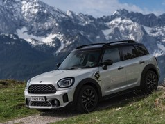 2020-MINI-Countryman-Facelift-F60-LCI-Cooper-SE-Plug-in-Hybrid- (8)