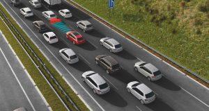 dopravni-zacpa-adaptivni-tempomat-city-safety