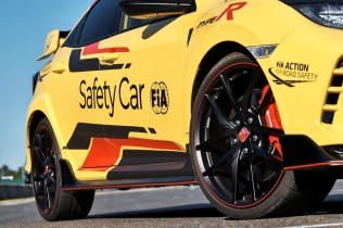 Honda_Civic_Type_R_Limited_Edition_Safety_Car_2020_WTCR- (5)