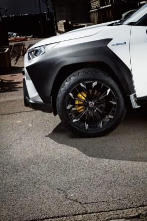 Toyota-RAV4-hybrid-tuning-kola-Rays- (4)