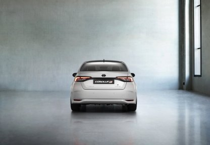 Toyota_Corolla_Sedan_GR_Sport- (4)