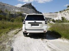 2020-Toyota_Land_Cruiser-Black_Pack-facelift- (4)