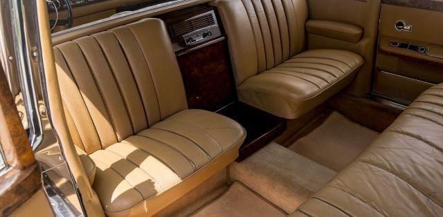 Mercedes-600-LWB-Pullman-16