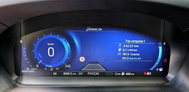 prvni-jizda-2020-ford-explorer-budiky-spotreba- (2)