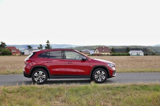 test-2020-mercedes-benz-gla-220d-4matic- (10)
