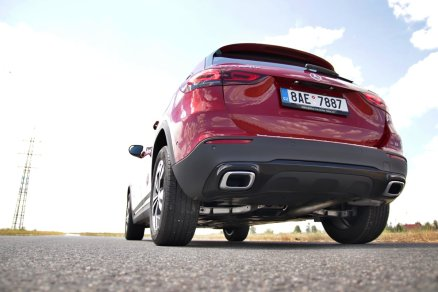 test-2020-mercedes-benz-gla-220d-4matic- (18)