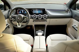test-2020-mercedes-benz-gla-220d-4matic- (34)