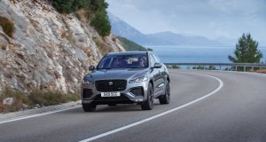 2021-Jaguar_F-PACE-facelift- (11)