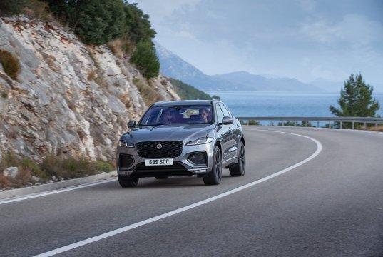 2021-Jaguar_F-PACE-facelift- (11)