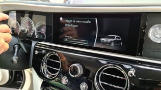 2021-rolls-royce-ghost-extended-live- (11)