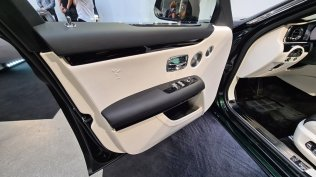 2021-rolls-royce-ghost-extended-live- (9)