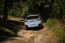 subaru-bela-pod-bezdezem-xv-forester-outback-off-road- (7)