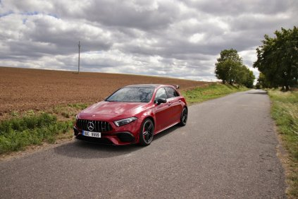 test-2020-mercedes-amg_a_45_s-4matic- (1)