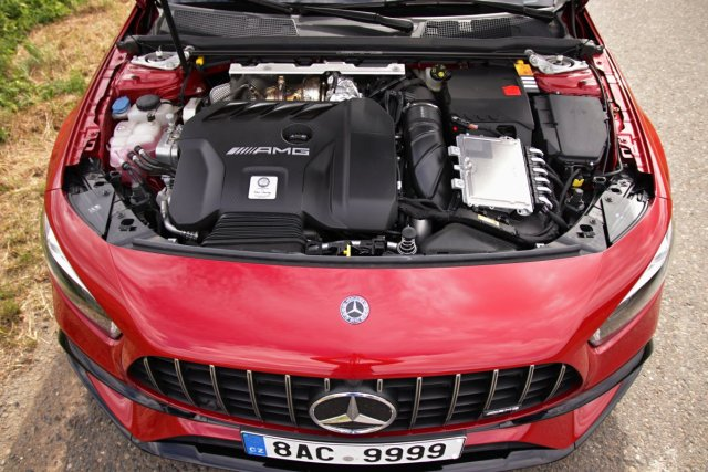 test-2020-mercedes-amg_a_45_s-4matic- (44)