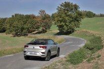 test-2020-volkswagen_t-roc_cabriolet-15-tsi-110kw-dsg- (8)