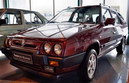 1993-Skoda_Forman-16-motor-790_16- (1)