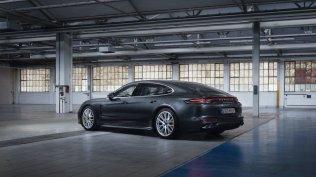 2020-Porsche_Panamera_Turbo_S_E-Hybrid- (3)