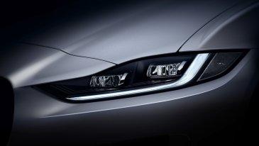 2021-Jaguar_XE_facelift- (10)
