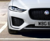2021-Jaguar_XE_facelift- (2)