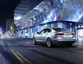 2021-Jaguar_XE_facelift- (9)