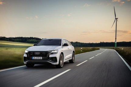 2021-audi-q8-tfsie-quattro-plug-in-hybrid- (1)