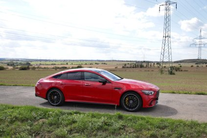 test-2020-mercedes-amg-gt-53-4matic-ctyrdverove-kupe- (9)