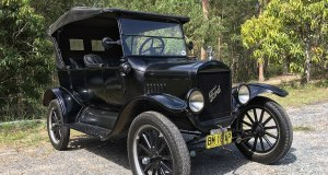 1925_Ford_Model_T_touring