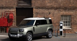 2021-Land_Rover_Defeder_P400e-PHEV- (1)
