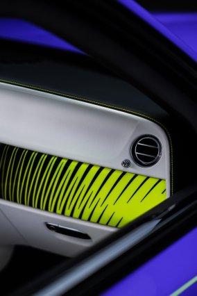 Rolls-Royce-Black_Badge-Dawn-Wraith-Cullinan-Neon_Nights- (9)